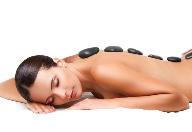 Massage aux Pierres Chaudes Dos Femme